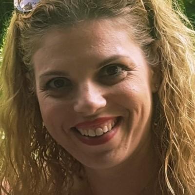 Alona Gelber